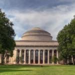 MIT : Premier distributeur de Bitcoins